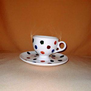 Pöttyös kávéscsésze alátét tányérral