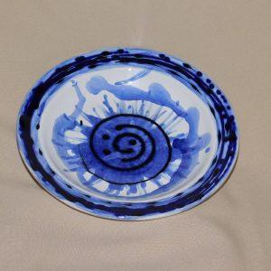 Leveses tányér modern mintával