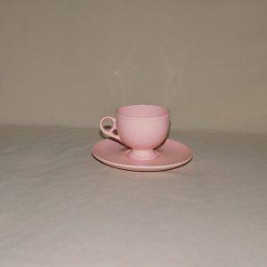 Cappuccinos bögre tányérral
